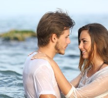 How to Know When It's Time for the First Kiss