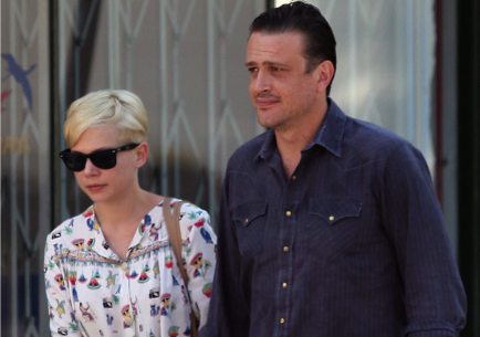 Michelle Williams and Jason Segel.  Photo: Miguel/VM/FAMEFLYNET PICTURES