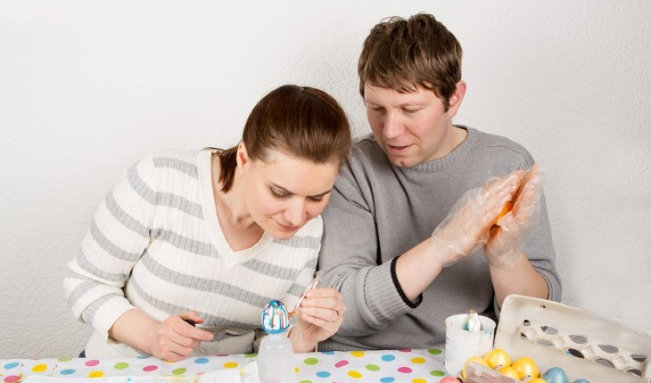 Cupid's Pulse Article: Weekend Date Idea: Celebrate Easter by Getting Crafty
