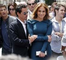 Jennifer Lopez and Marc Anthony Reunite on Stage in Vegas
