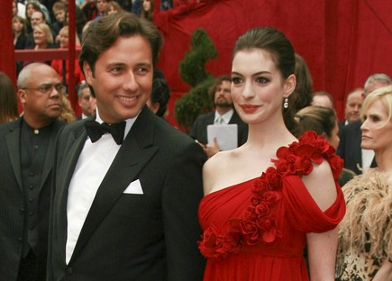 Cupid's Pulse Article: Anne Hathaway's Convict Ex Raffael Follieri Speaks Out