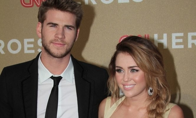 Cupid's Pulse Article: Miley Cyrus and On-Again BF Liam Hemsworth Grab a Bite With His Brother