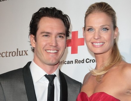 Mark-Paul Gosselaar and Catriona McGinn. Photo: Tina Gill / PR Photos