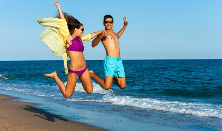 Cupid's Pulse Article: Date Idea: Beach it with Your Babe