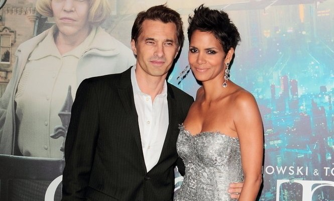 Cupid's Pulse Article: Enjoy the Summer Together like Halle Berry and Olivier Martinez