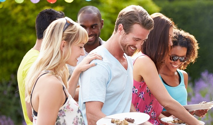 Cupid's Pulse Article: Do Your Friends Influence Your Relationship?