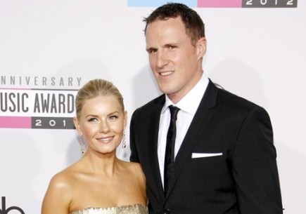 Elisha Cuthbert and Dion Phaneuf. Photo: David Gabber / PRPhotos.com