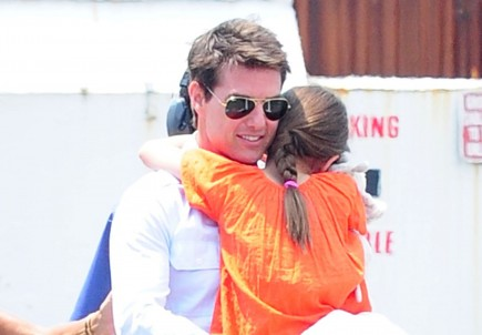 Tom Cruise and Suri. Photo:  Marquez/FAMEFLYNET PICTURES