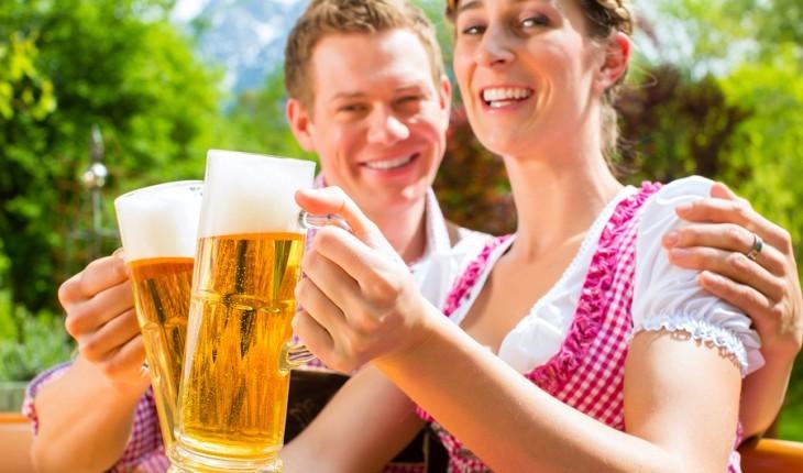 Cupid's Pulse Article: Date Idea: Seasonal Ale-House Excursion