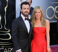 Jennifer Aniston Celebrates 43rd Birthday Eve with Boyfriend Justin Theroux