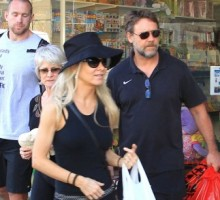 Russell Crowe, Danielle Spencer Reunite For Dinner With Kids