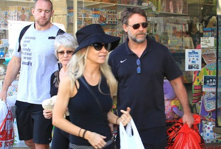 Cupid's Pulse Article: Russell Crowe, Danielle Spencer Reunite For Dinner With Kids