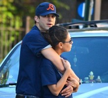 Ashton Kutcher and Mila Kunis Spend a PDA-Filled Weekend Together