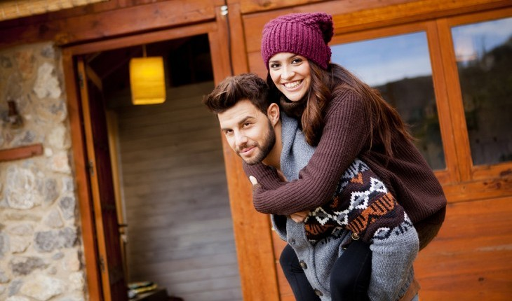 Cupid's Pulse Article: Date Idea: Rent a Cabin for the Weekend
