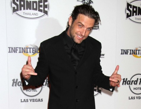 Cupid's Pulse Article: MTV Host TJ Lavin Marries Longtime Girlfriend Roxanne Siordia in Vegas