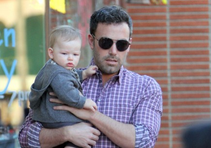 Ben Affleck with baby Samuel. Photo: NAV/FAMEFLYNET PICTURES