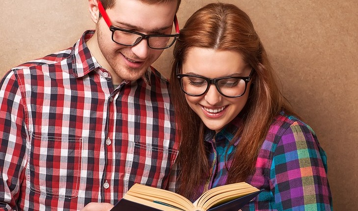 Cupid's Pulse Article: Expert Relationship Advice: 4 Ways Picking Up a Book Can Improve Your Health