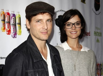 Peter Facinelli and Jaimie Alexander. Photo: Emiley Schweich / PR Photos