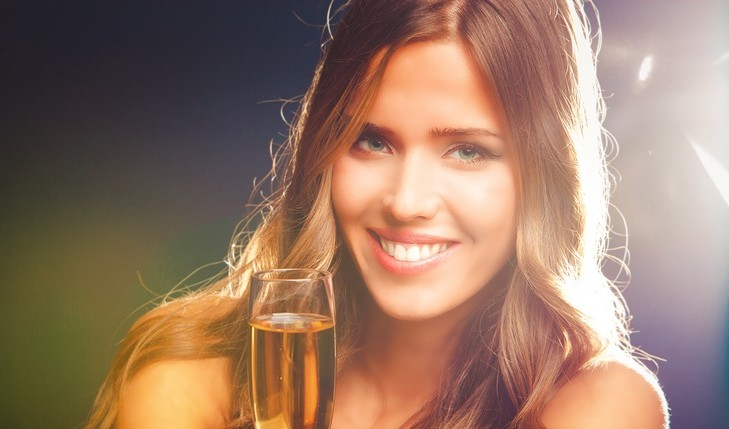 Cupid's Pulse Article: What to Do On New Year's Eve If You're Single