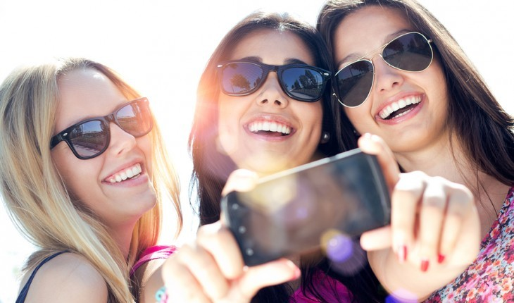 Cupid's Pulse Article: 5 Ways Your Friends Can Help Save Your Relationship