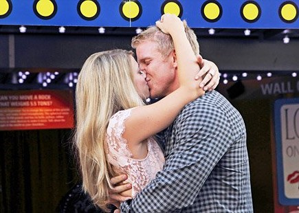 Cupid's Pulse Article: The Bachelor: Lesley M. Breaks Record for the Show's Longest Kiss
