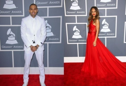 Cupid's Pulse Article: VDay Love: Rihanna and Chris Brown Show PDA at Grammy Awards