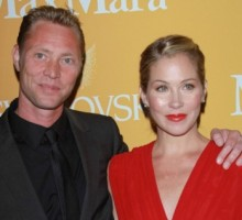 Christina Applegate Ties the Knot with Longtime Boyfriend