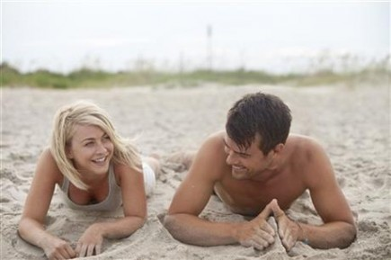 Cupid's Pulse Article: Nicholas Sparks' 'Safe Haven' Soon to Be In Theaters!