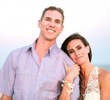 'Survivor' Champion Kim Spradlin Marries Barefoot in Mexico