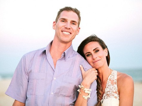 Cupid's Pulse Article: 'Survivor' Champion Kim Spradlin Marries Barefoot in Mexico