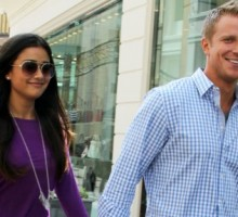 Reality TV: 'The Bachelor' Sean Lowe Fires Back at Dating Rumors Pointing to Trouble in His Celebrity Relationship