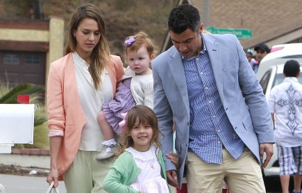 Jessica Alba and Cash Warren with daughters Haven and Honor. Photo: FAMEFLYNET PICTURES