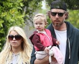 Jessica Simpson and Eric Johnson with Maxwell. Photo: VM/FAMEFLYNET PICTURES