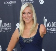 Celebrity News: 'Soul Surfer' Bethany Hamilton Describes Her 'Perfect' Proposal