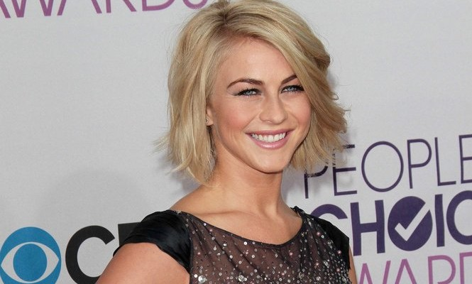 Cupid's Pulse Article: Celebrity News: Julianne Hough Relaxes in Miami One Month After Split From Ryan Seacrest