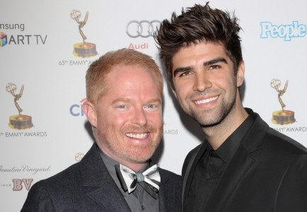 Cupid's Pulse Article: 'Modern Family' Star Jesse Tyler Ferguson Marries Partner Justin Mikita