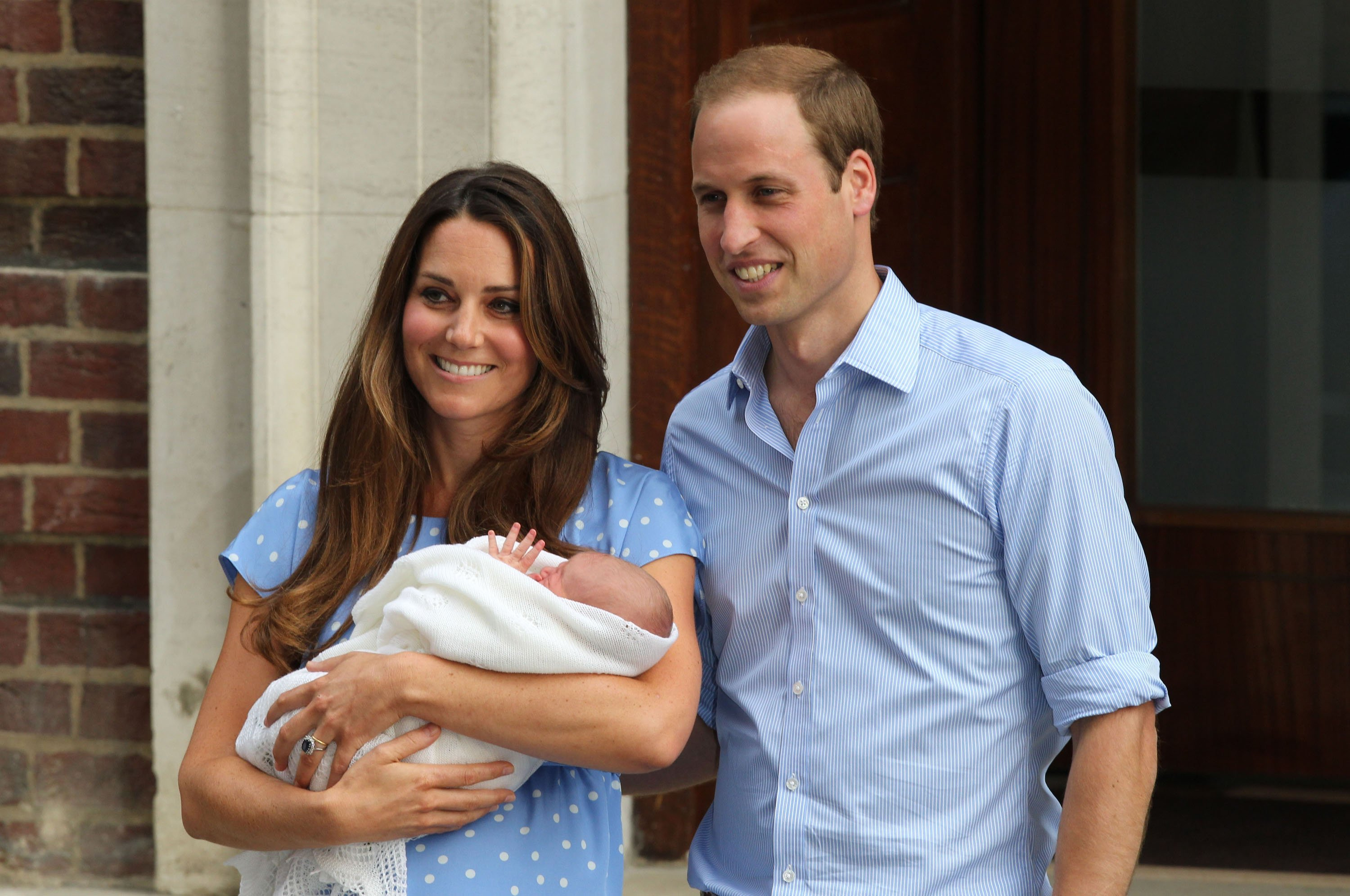 Kate Middleton, Prince William and Prince George. Photo: FameFlynetUK/FAMEFLYNET PICTURES