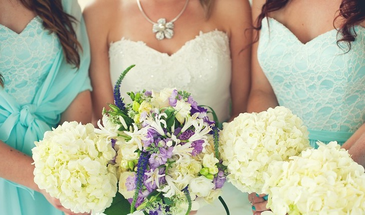 Cupid's Pulse Article: Do the Chicken Dance: Tips for Surviving Wedding Season Single