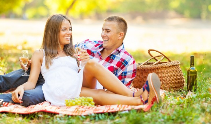 Cupid's Pulse Article: Dating Advice: 5 Uncommon Romantic Gestures He'll Love