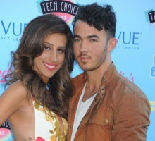 Danielle Jonas Debuts Tiny Baby Bump at 2013 Teen Choice Awards