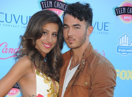 Cupid's Pulse Article: Danielle Jonas Debuts Tiny Baby Bump at 2013 Teen Choice Awards