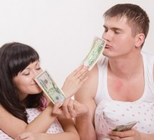 Top 7 Tips to Win the Love of Someone Rich or Famous – When You Are Not!