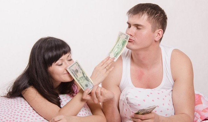 Cupid's Pulse Article: Top 7 Tips to Win the Love of Someone Rich or Famous – When You Are Not!