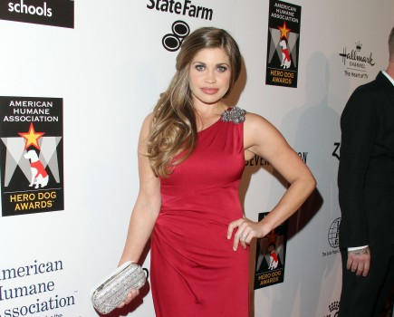 Cupid's Pulse Article: 'Boy Meets World' Star Danielle Fishel Marries Tim Belusko