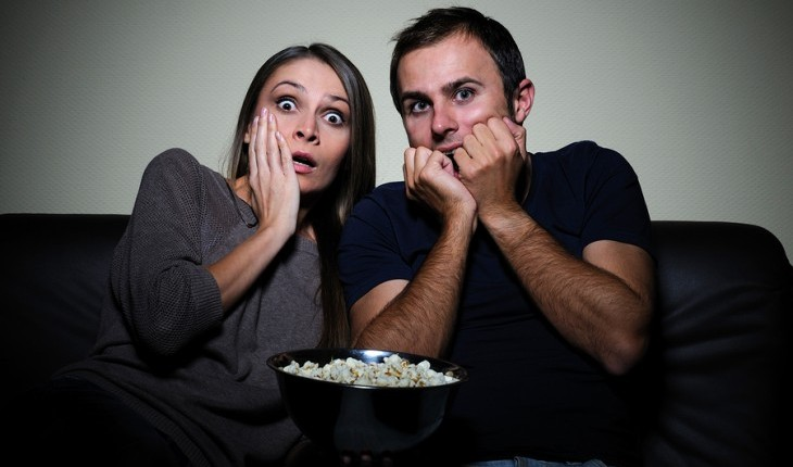Cupid's Pulse Article: Date Idea: Embrace Each Other with a Scary Movie Marathon