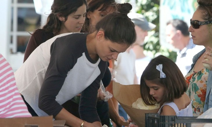 Katie Holmes runs an annual turkey trot around Thanksgiving. Photo: CreditWCP/Javiles/FAMEFLYNET PICTURES