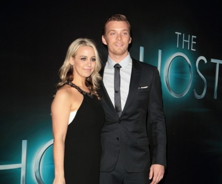 celebrity couples, Allie Wood, Jake Abel, The Host