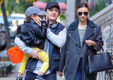 Cupid's Pulse Article: Miranda Kerr and Orlando Bloom Reunite in NYC with Son Flynn