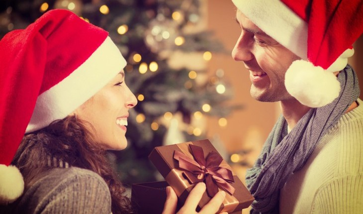 Cupid's Pulse Article: Dating Advice: We Just Started Seeing Each Other, Should I Get Them A Christmas Gift?