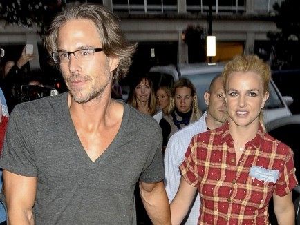 Jason Trawick and Britney Spears. Photo: FlynetUK/FAMEFLYNET